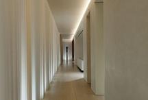 :: entry : hallway ::