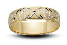 Gold Wedding Rings for Men / Timeless Gold Wedding Bands for Men. Various Unique Styles.