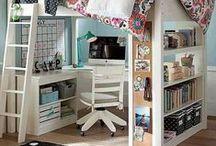 kreativzimmer   interior / Ideen für ein geordnetes Chaos im Arbeits- und Bastelzimmer.   nähzimmer   craftroom   bastelzimmer   craftraum   arbeitszimmer   home office   workroom