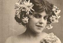 Les femmes fleurs... Flower women