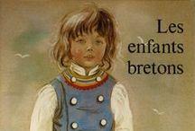 Marie-Claude Monchaux / née en 1933, est auteur-illustrateur pour la jeunesse