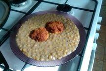 Az én menzám ... Ahogy én készítem ... My foods ... :) / Magam készítette ételek, sütik, más receptjei alapján, vagy saját kútfőből :). SAJÁT FOTÓK! Tulajdonképpen a saját szakácskönyvem egy része, amibe belenézek, amikor megint az a fő kérdés a családhoz: - Mit főzzek mára??? - Nekünk mindegy - hangzik a válasz! Na, akkor böngésszünk ... :D