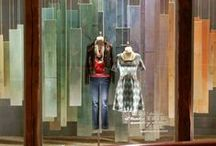 CARLA RAFFI • INSPIRATION VITRINE / Carla Raffi en est persuadée ! la vitrine est le premier contact entre votre marque et vos clientes. Il suffit d'un beau produit, d'une belle mise en scène et la magie opère  Découvrez vite nos inspirations pour créer la plus belle des vitrines.