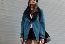 CARLA RAFFI • CARLA & L'HIVER / Découvrez et inspirez-vous de toutes les dernières tendances de vêtements et accessoires pour la saison Automne - Hiver.  De nombreux produits sont disponibles sur le site de votre grossiste de vêtements pour femmes Carla Raffi : https://www.carlaraffi.com
