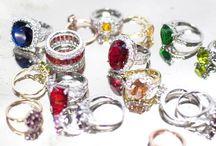 i love accessories / by Ella Robles