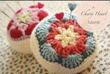 Crochet / by Laura Briedis