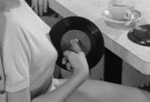 Muñe Vinyles / Joyas musicales plasmadas en vinyl, que girando a 331/3 o 45 RPM son un deleite para tus oidos.