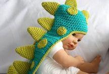 Hainute crosetate / Hainute crosetate pentru copii si bebelusi, ideale pentru sedinte foto.