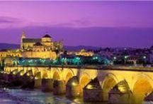 Miasta / Najpiękniejsze miasta w Hiszpanii. Każde hiszpańskie miasto kryje w swoich murach tajemnice i ciekawostki jakie fascynują miłośników turystyki z całego świata. Postaramy się je tutaj przedstawić i zaprezentować. Hiszpania i jej najciekawsze miasta oferujące największe atrakcje turystyczne i nie tylko.