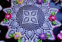 guardanapos e trilhos de croche e toalhas de mesa / by Elisabete DE  Oliveira