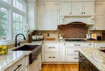 Cookin' Kitchens / The kitchen is the heart of your home, around which everything revolves. From everyday routine to the most special occasions, it drawer people in and fulfills needs.