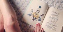 """""""Mas Você Vai Sozinha?"""" / """"Mas Você Vai Sozinha?"""" é uma pergunta qualquer mulher, viajante ou não, já escutou. A possibilidade de descobrir o mundo sozinha ou acompanhada é o mote do livro, escrito no formato de crônicas e ilustrado pela artista plástica Anália. Está disponível nas principais livrarias do Brasil."""