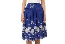 Spring Skirts for Breastfeeding Mums / Spring skirts for wearing with staple breastfeeding tops making it easy for mums to step out in style!