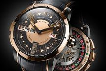 POKER / Poker is an exceptional automaton watch. Its development required two watchmaker-constructors working full time for over two years. Users can immerse themselves in real three-player games of the most popular variant of poker: Texas Hold'em.