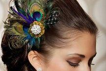 Hochzeitsmotto Pfau / Ein Hochzeits-Moodboard ganz in den wundervollen Farben des prächtigen Pfaus