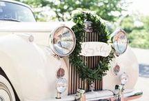 Hochzeitsauto und Co. / Oldtimer, Kutschen, Autoschmuck - auch das geeignete Transportmittel will gut gewählt sein.