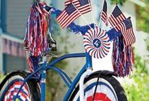 4th of July Bike and Scooter Decorating / Inspiration and DIY projects for decorating bikes and scooters for the 4th of July