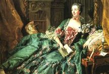HISTORICAL GREEN & OIL PRINTED DRESSES / HISTORICAL GREEN & OIL PRINTED DRESSES