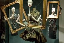 store windows / A window on the world of fashion