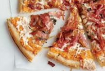 Pizzas and Flatbreads with Onions / Looking for creative new pizza combos? Onions pair well with all sorts of fun toppings!
