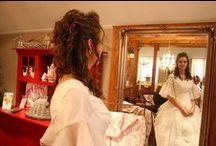 Half opgestoken bruidskapsels / kapsels en make-up door Astrid's Bruidsstyling