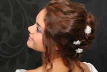 Opgestoken bruidskapsels / kapsels en make-up door Astrid's Bruidsstyling