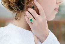 Emerald Gemstone Rings / Gorgeous emerald engagement rings that will make others green with envy.