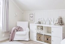 Organised Kids Bedroom / The kids bedrooms hold lots of things. From toys, clothes and everything in between. Here I have pinned lots of ideas for Storage and organisation, to keep rooms functional but still looking good.