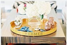 Styling / Tips to perfectly style your coffee tables, bookcases, and more!