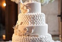 Our Wedding Cakes / This is about some of our customers' best creations. We are so thankful they chose us to realize them!