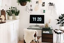 creative workspace / // Some inspiration for creative work areas- a pretty and organised work area makes me want to actually work! //