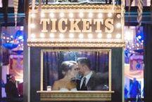 Mariage Hollywood / Vous êtes les stars du film de la plus belle journée de votre vie. Une décoration pleine de paps et de pop : film, clap de cinéma, boite pop corn, ticket de cinéma, caméra.
