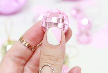 hand bling +  nail art / nail art & jewelry along with pretty nails