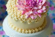 Fondant flowers / Gumpaste, sugarpaste, fondant projects. Tutorials, DIY, how-tos and inspiration