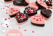 Valentines Crafty Board / #DIY #Upcycle #Valentine #Love