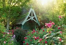 Summer Gardens / Stunning English country gardens in the summer time.