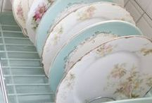 Pretty Plates, Bowls, and Glasses / Because a table can never be too pretty...