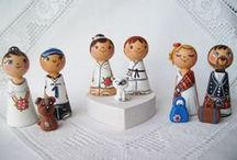 Personalized custom wedding cake toppers wooden bride groom peg dolls / It's a personalized peg doll wedding cake toppers made to order. It's hand painted with the non-toxic acrylic paints and varnished using the non-toxic water varnish to make it damp-proof.