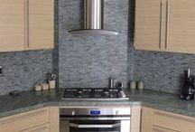 Плита в углу кухни. Corner stove
