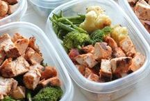 Healthy Lunches / These healthy lunch ideas are great for teachers or students who want to avoid buying a school lunch.