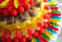 Nourriture délicieuse / Gâteaux, confiseries, etc... tout est là pour nous faire baver de plaisir et aussi pour nous faire grossir!