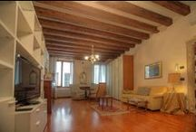 Venice - Campo Sant'Angelo vacation rental / Bright apartment in the very heart of Venice for up to 4 guests. 1 double bedroom, large living and dining areas, fully equipped kitchen. Only 5 minutes from the famous Piazza San Marco!