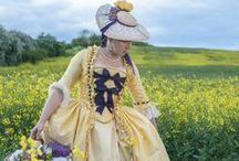 18th century fashion / historical clothes