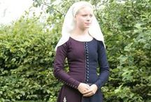 14th century fashion / Historical clothing
