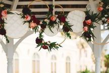 hoop, hopeedoop, hoopeedoopeedoopeedoop / Hoops are a great way to add a simple yet elegant decoration element to your wedding or event.  At Queen City Vignette we love this design element because it is so versatile!