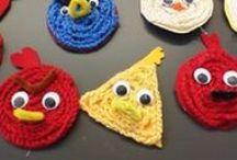 Virkkaaminen (Crocheting)