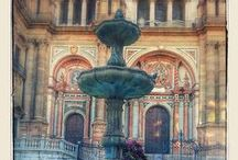 La Reina Malaka / Arquitectura, escultura, fuentes, arte de Málaga.