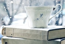 Book Nook / by Holly Massie
