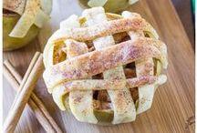 Food: Desserts / by Henley Amanda DeWitt