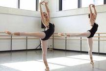 Sur la pointe des pieds... / Au pays des étoiles de la danse classique...